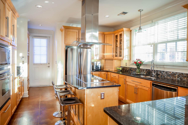 Lockwood Residence - Kitchen - Designed by Foshee Architecture