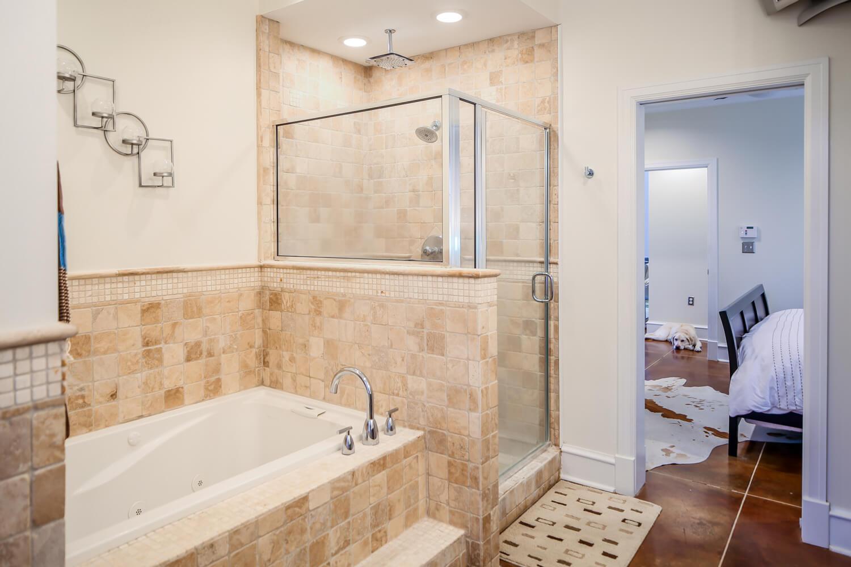Lockwood Residence - Master Bathroom - Designed by Foshee Architecture